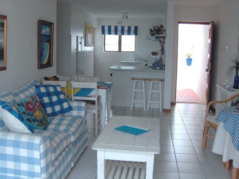 4 Arrowood furnished in sparkling blue and white